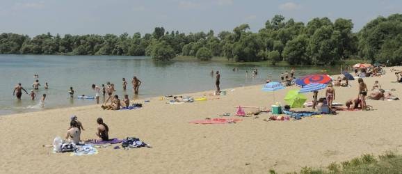CAMPING LES RIVES DU LAC **, mobil-homes en Grand Est